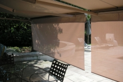 Retractable-lateral-arm-awning-4