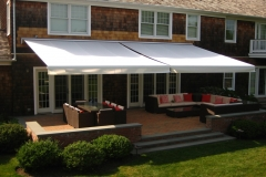 Retractable-lateral-arm-awning-9