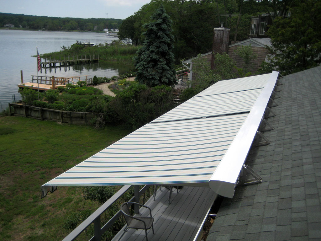 Retractable-Roof-mounted-awning-3