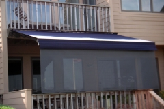 Retractable-lateral-arm-awning-15